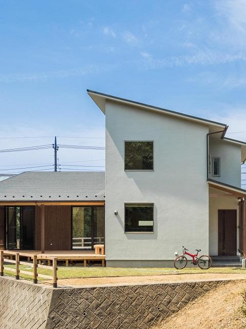 光と風と緑の家